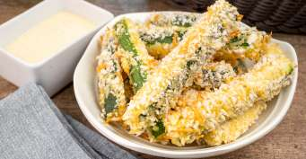 Snacks recipes: Air Fryer Zucchini Fries