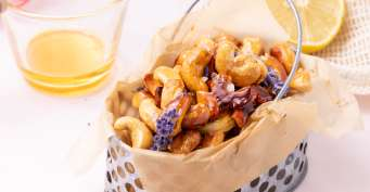 Snacks recipes: Honey Roasted Cashews
