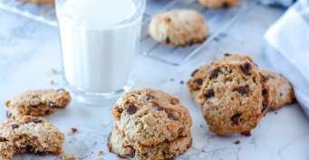 Dessert recipes: Vegan Oatmeal Chocolate Chip Cookies
