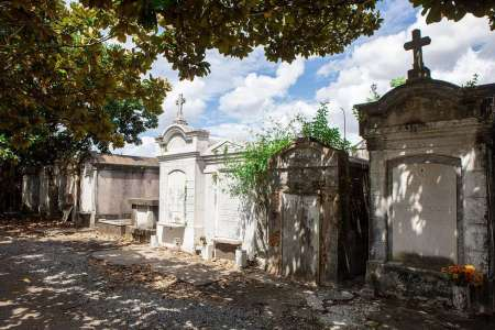 Garden District Food and Cemetery Tour