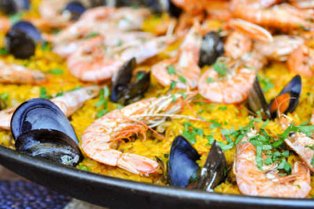 paella with shrimp and clams