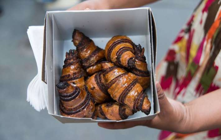 take the Cozymeal Explore the Flatiron and Union Square food tour