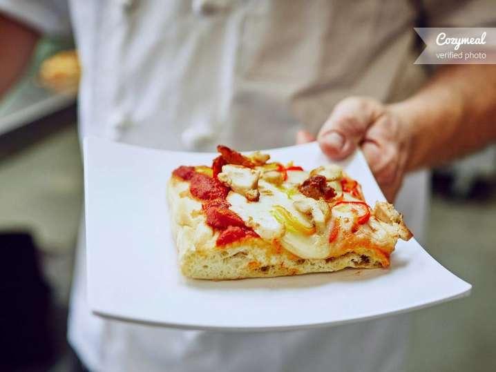 Pizza al Taglia