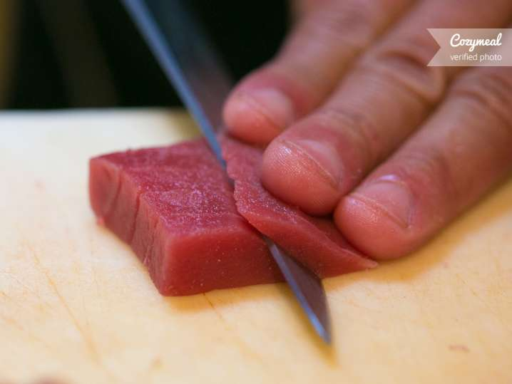 sashimi making