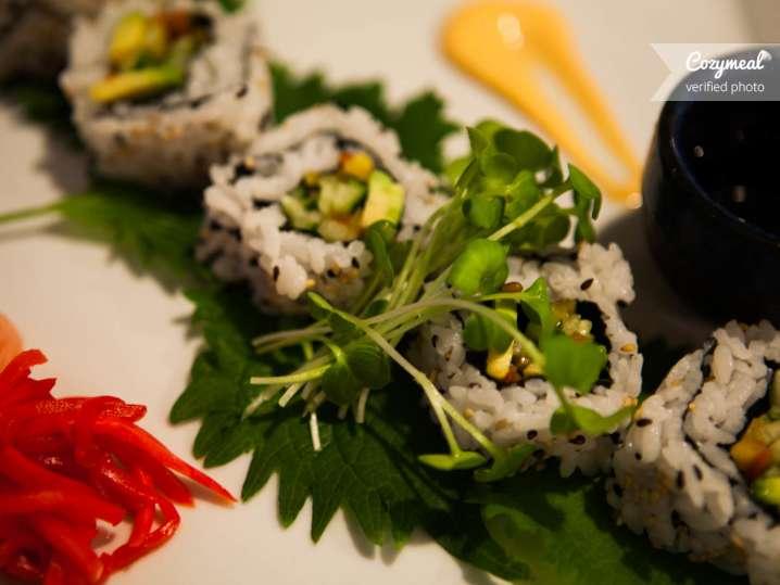 Sushi rolls with avocado
