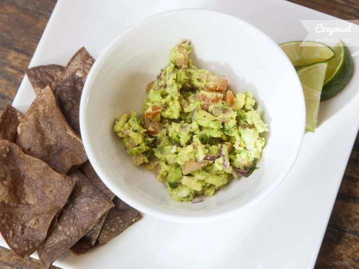 galaxy guacamole with corn chips