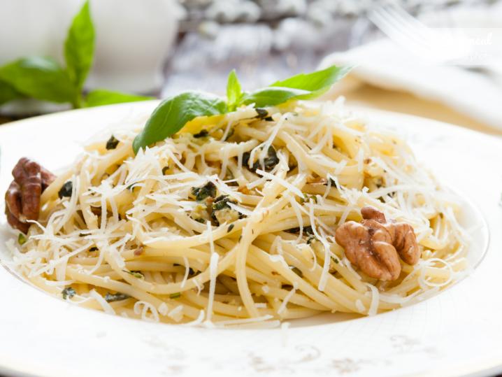 homemade spaghetti with walnut sauce