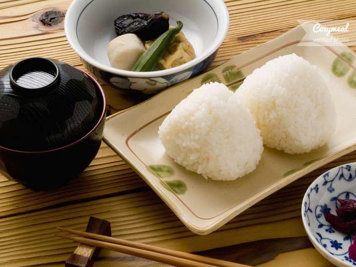 onigiri and izakaya plates
