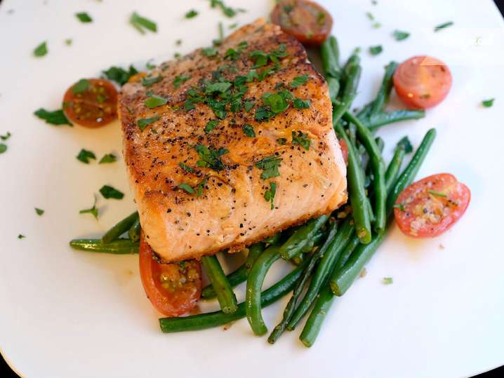 salmon with green beans