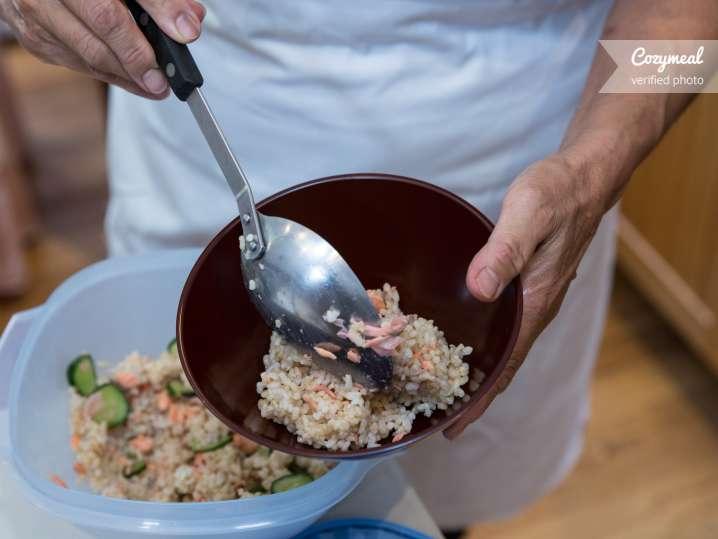 Sushi bowl plating