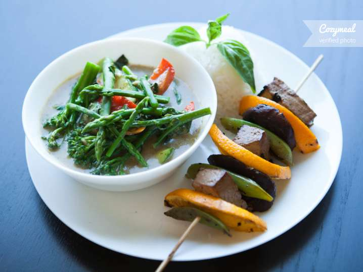 Cooking class vegan thai cuisine chatsworth cozymeal cooking class vegan thai cuisine forumfinder Choice Image