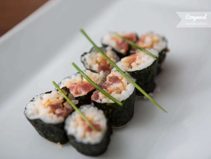 paolo spicy tuna roll