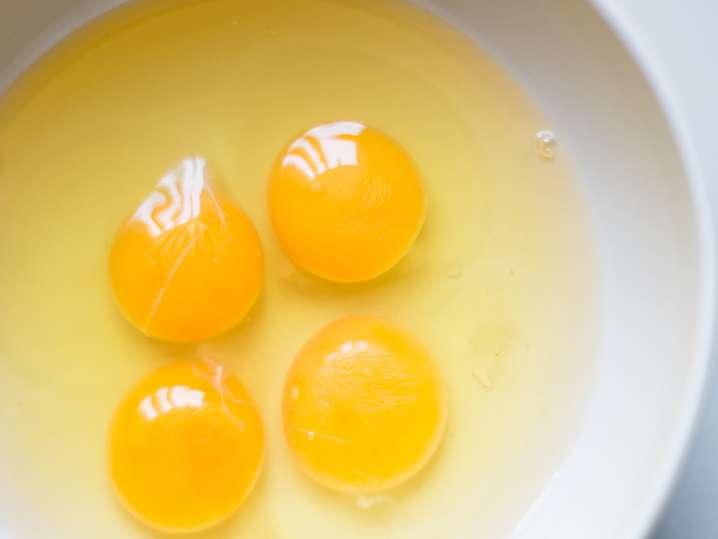 eggs to make carbonara