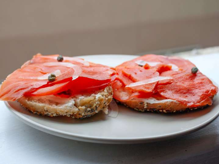 beet cured salmon on a bagel | Classpop