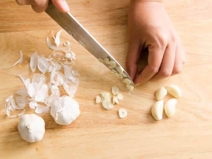 chef slicing garlic   Classpop