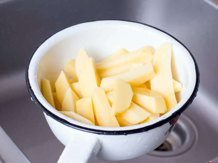 sliced potatoes for Tortilla Española | Classpop