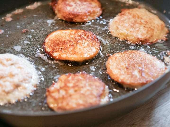 Frying Potato Pancakes | Classpop