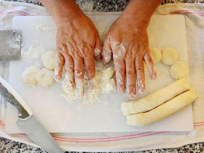 rolling dumpling dough | Classpop