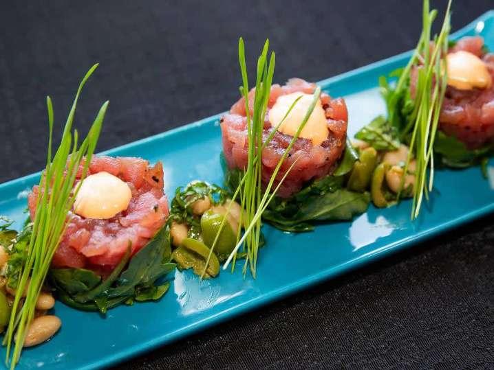 Ahi Tuna and White Bean Salad Tower | Classpop