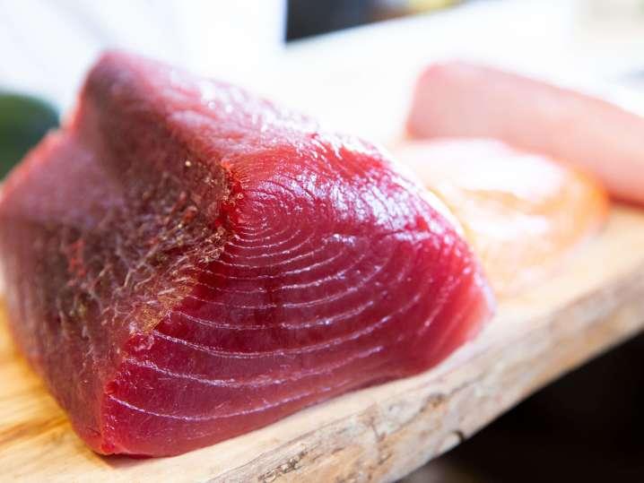 raw sushi grade tuna | Classpop