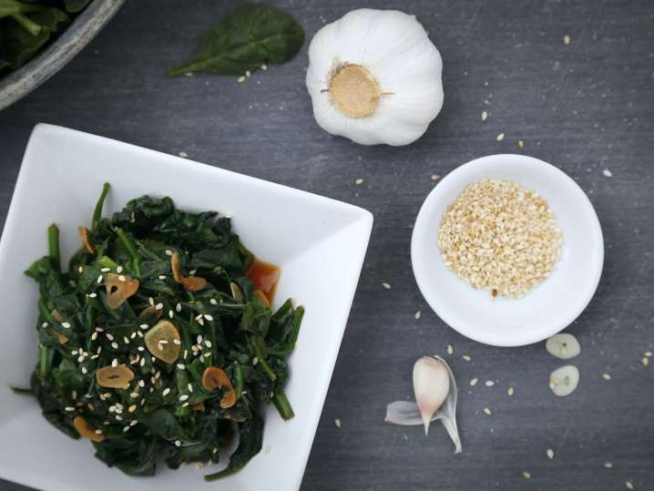 sesame stir fried spinach with garlic | Classpop