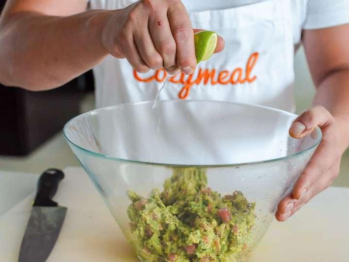 making guacamole | Classpop