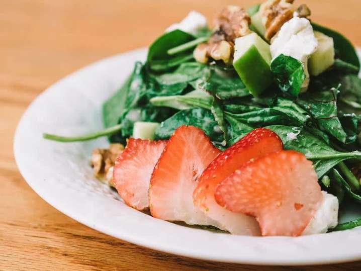 strawberry field salad | Classpop