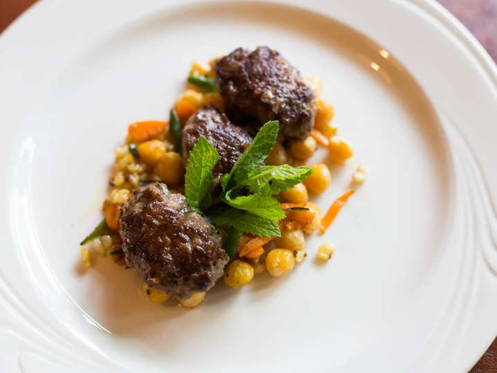 Grass fed beef with chickpeas and corn | Classpop