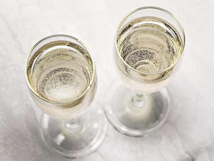 glasses of prosecco   Classpop