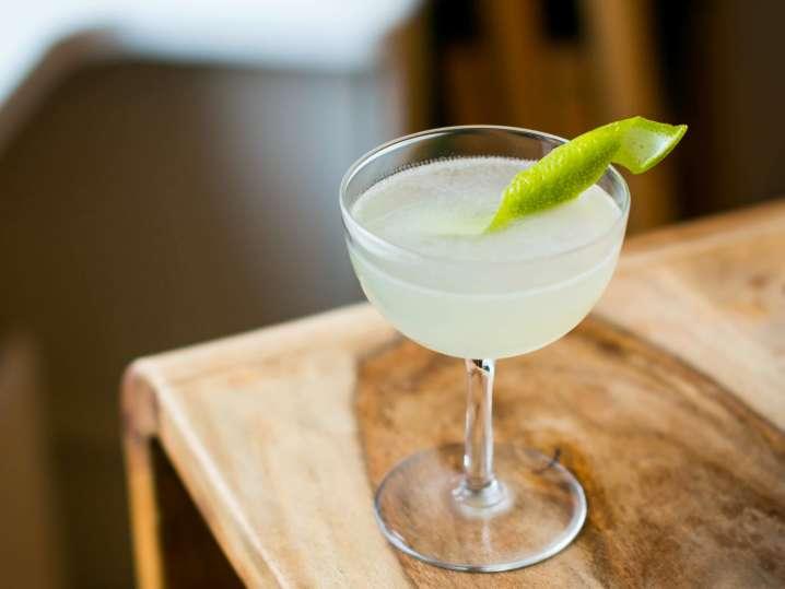 classic gimlet cocktail | Classpop