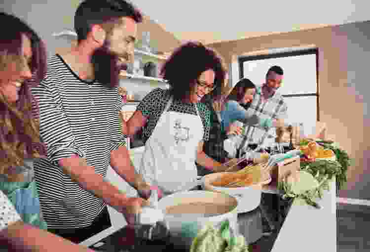 cooking classes on cozymeal are a great housewarming gift