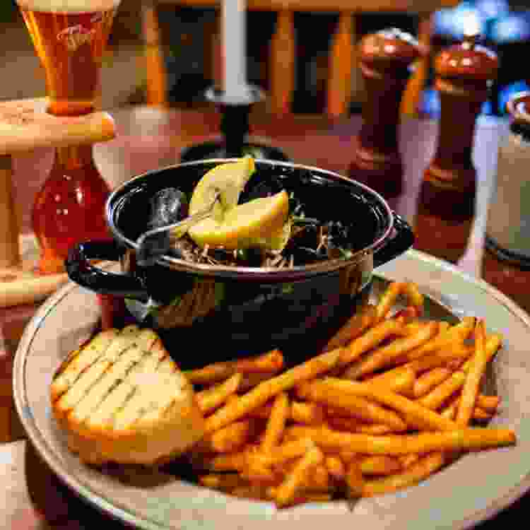 jessop's tavern in delaware is one of the best warm and cozy restaurants