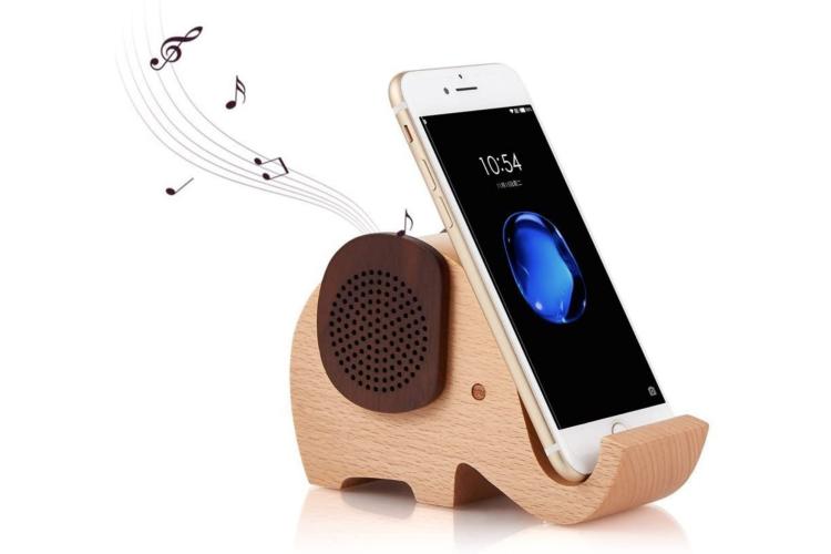 wooden elephant shaped smartphone holder with speaker
