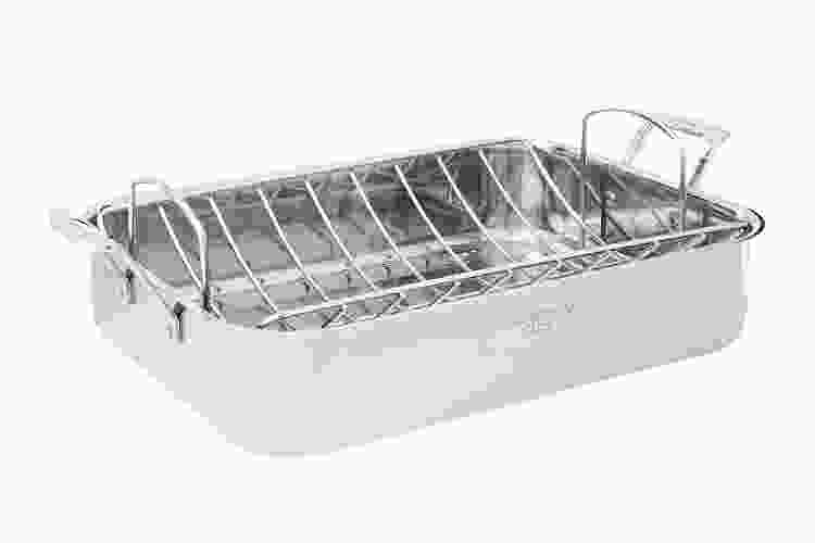 the Cuisinart Chef's Classic Stainless 16 Inch Roasting Pan With Removable Rack is one of the best roasting pans