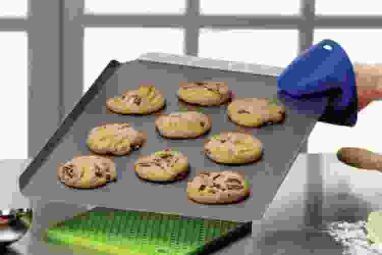 the Mrs. Anderson's Non Stick Cookie Sheet is one of the best cookie sheets
