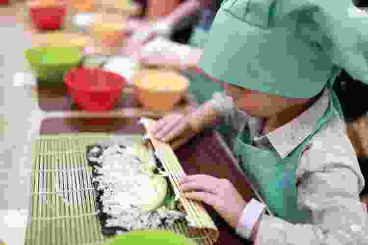 Teach the kids how to make sushi online