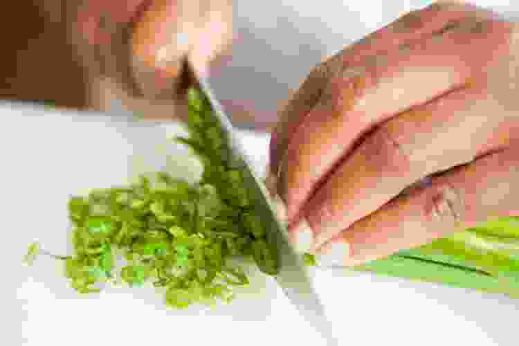 cooking classes are a great way to learn how to cook with herbs