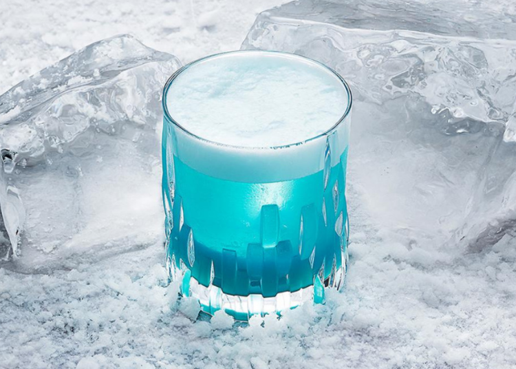 Try making this White Walker cocktail for a Game of Thrones inspired drink!
