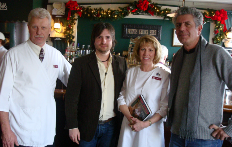 Anthony bourdain with the staff of schwabl's in buffalo