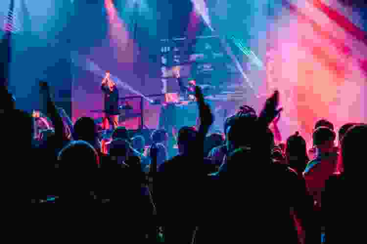catch a concert with coworkers for a fun team building activity in austin