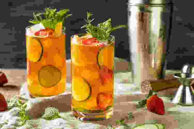 pimm's cup is one of the best new orleans drinks