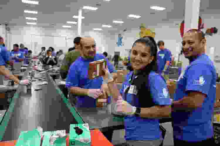 volunteering opportunities are great team building activities in austin