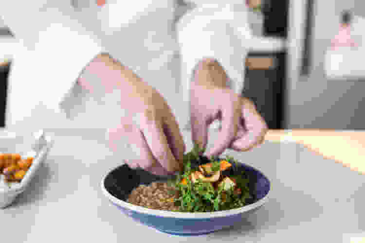 cooking classes are a fun date idea in los angeles