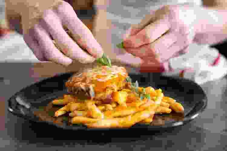 cooking classes are a fun date idea in miami