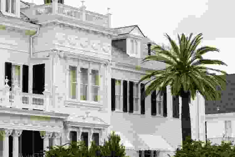 mansion in the garden district of New Orleans