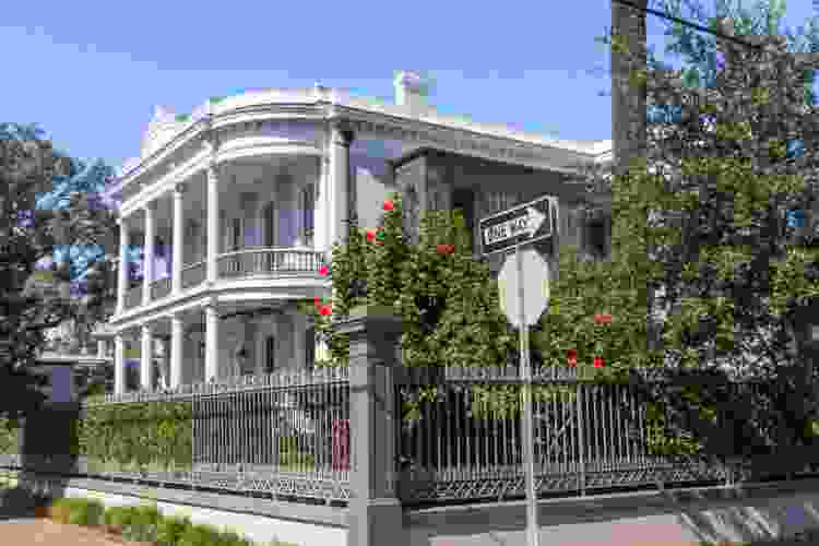 garden district tours are some of the best tours in new orleans