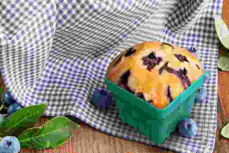 berry carton silicone muffin molds