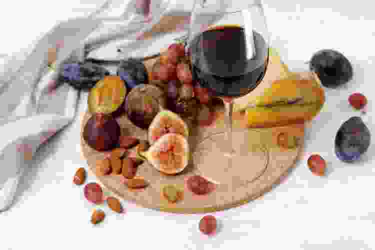 fruit makes a delicious pinot noir pairing