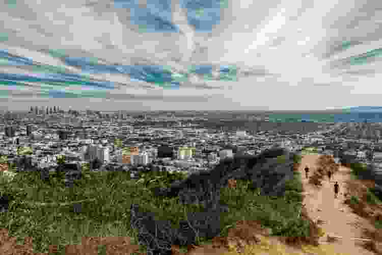 view from runyon canyon, los angeles