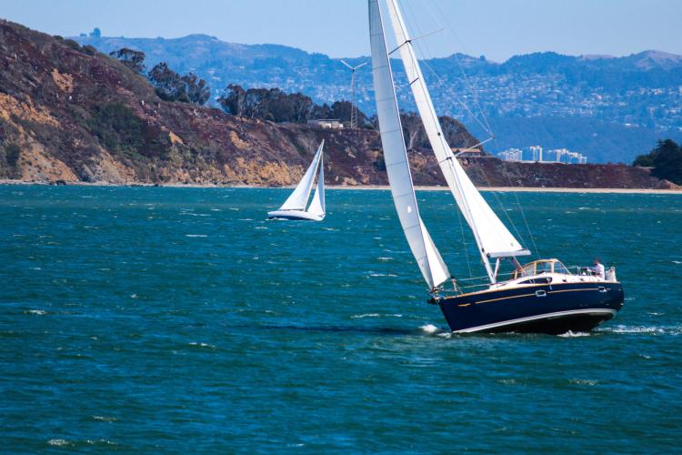 san francisco bay sailing is a fun team building activity